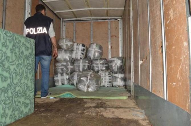 Picanello connection: Sequestrati 1.000 kg di marijuana
