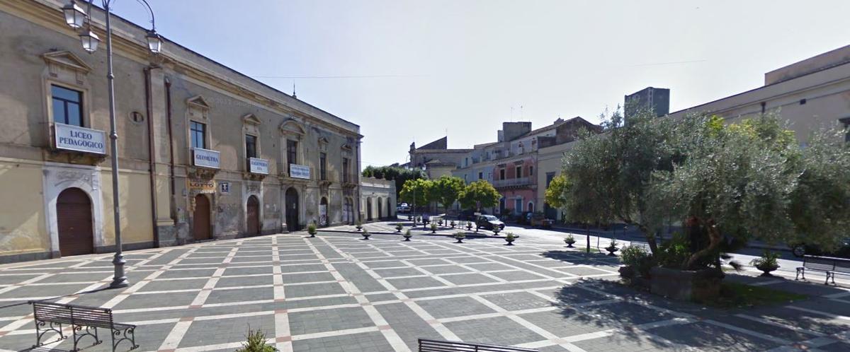 Sabato sera piazza Umberto si trasformerà in isola pedonale