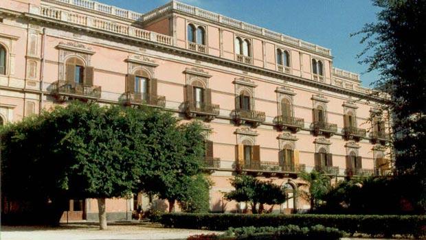 """Bufera sull'istituto """"Bellini"""" di Catania"""