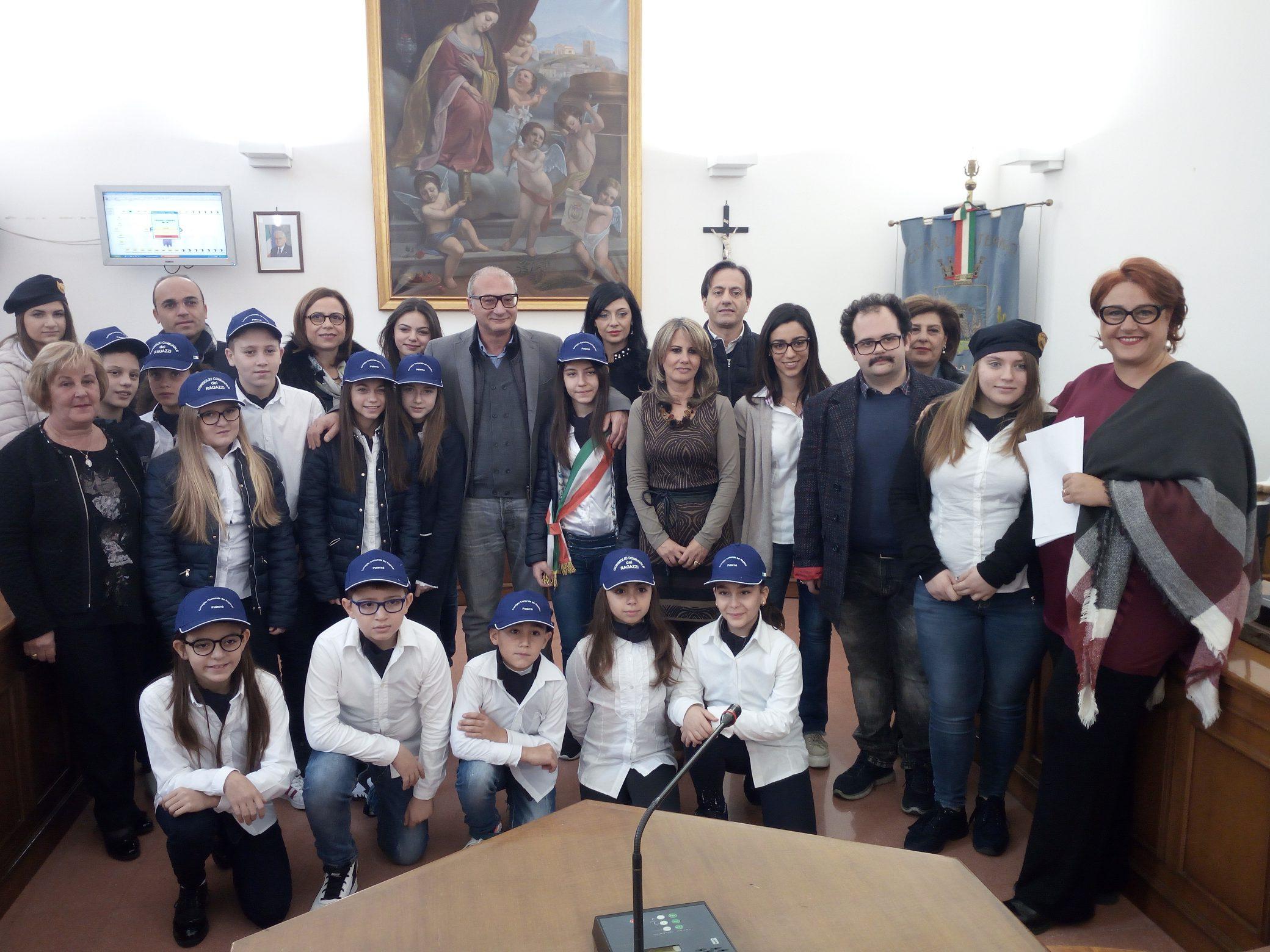 """Il """"Marconi"""" apre il Consiglio comunale dei ragazzi"""