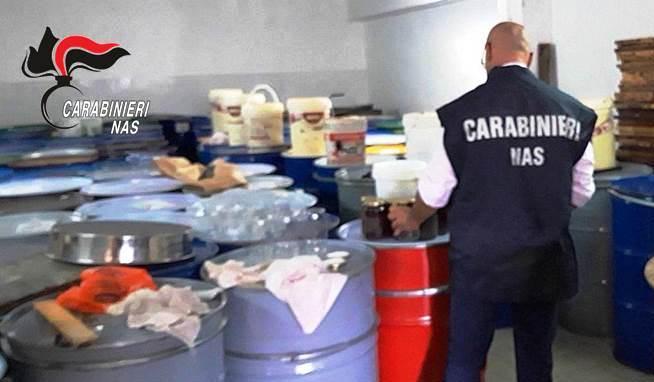Catania: controlli nel settore apistico. Sequestrato miele sospetto nella zona etnea
