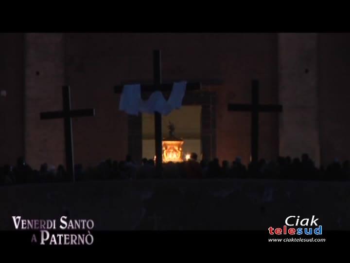 VENERDÌ SANTO: LA CROCE COME DONO D'AMORE