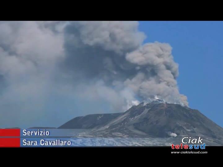 Etna: in corso nuova attività esplosiva