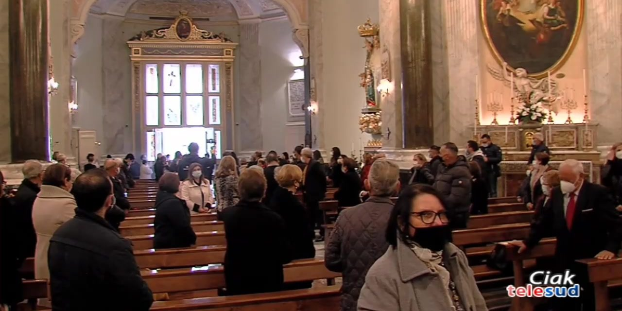Paternò. In diretta dalla chiesa di Santa Barbara la Santa Messa Pontificale