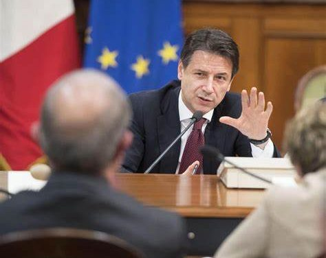 "NATALE: DPCM IN ARRIVO ""ITALIA ZONA ROSSA"""