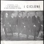 """Com'eravamo – """"Franco Randazzo i Cicloni e la band in viaggio, e una città per cantare""""."""