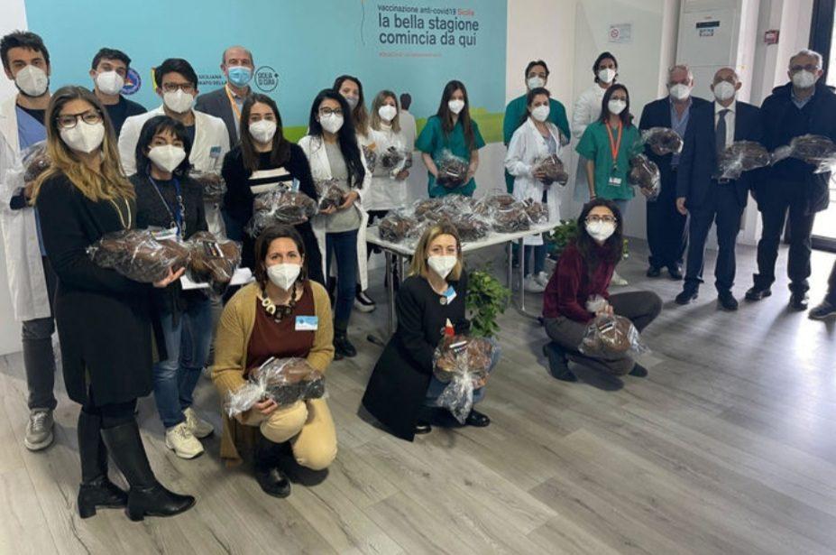 SICILIA: DONATE 500 COLOMBE PASQUALI AL PERSONALE SANITARIO DEI CENTRI VACCINALI DI MESSINA