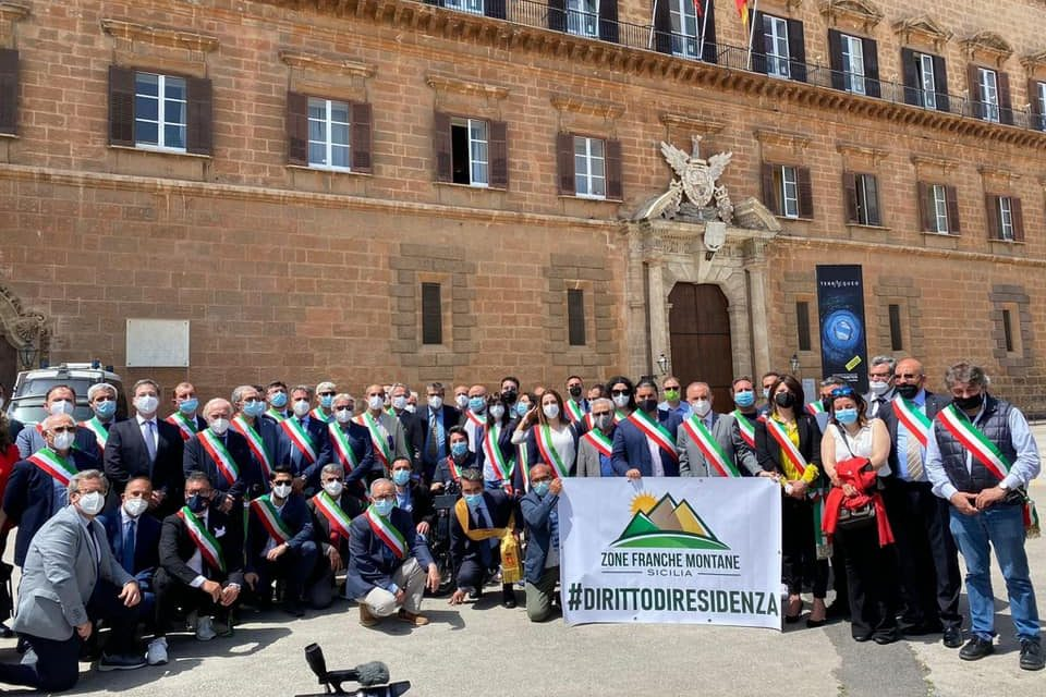 ZONE FRANCHE MONTANE SICILIA: OLTRE 100 SINDACI A PALERMO