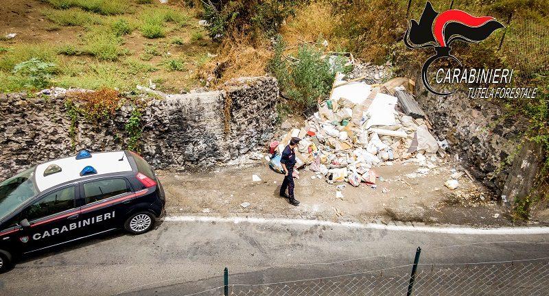 CATANIA: RIFIUTI PER STRADA, DENUNCIATE 9 PERSONE RICONDUCIBILI A 4 IMPRESE E SANZIONI